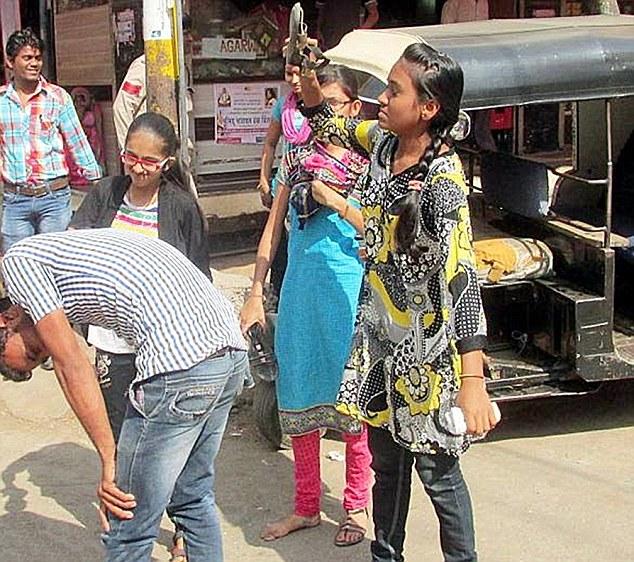 Prostitutes Sendhwa