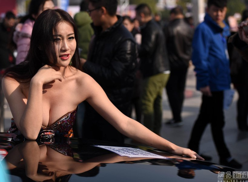 Model Hooker in Yangjiang